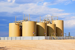 crude oil storage tanks with overfill protection level measurement