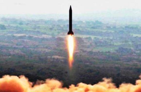 Uji coba peluncuran rudal Hatf-V (Ghauri) Pakistan