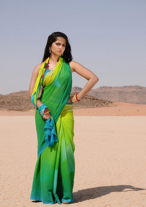 anushka saree photos