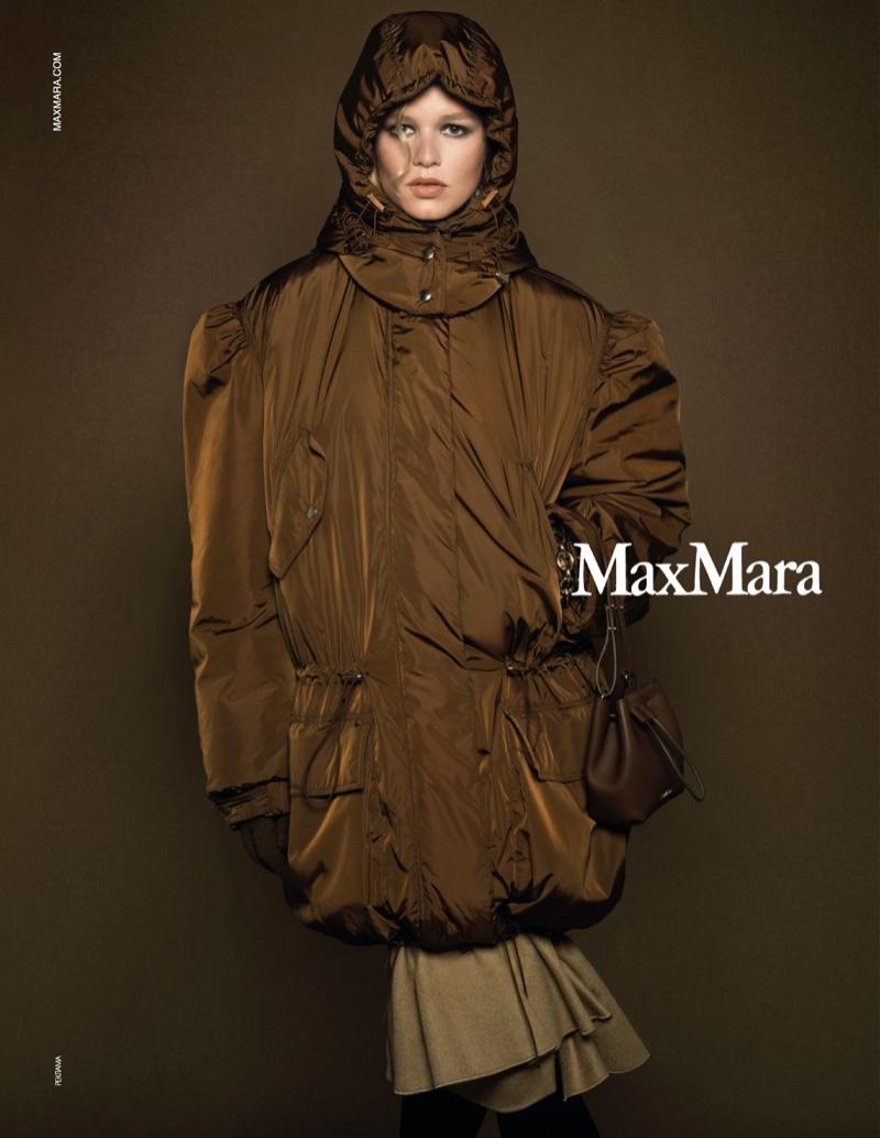 Max Mara's fall 2020 advertising campaign
