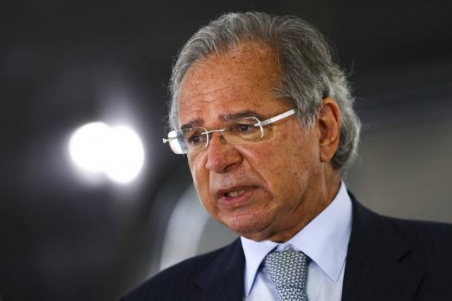 Auxílio emergencial será prorrogado por mais 3 meses, afirma Paulo Guedes