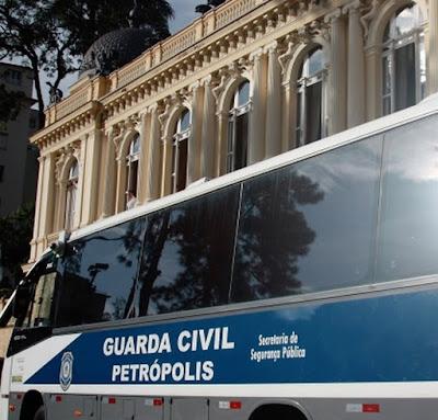 Guarda Civil usará ônibus de videomonitoramento para segurança durante a Expo Petrópolis (RJ)