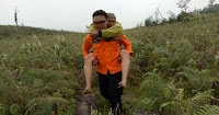 Kelelahan, Pendaki Asal Makassar Digendong Tim Rescue dari Bawakaraeng
