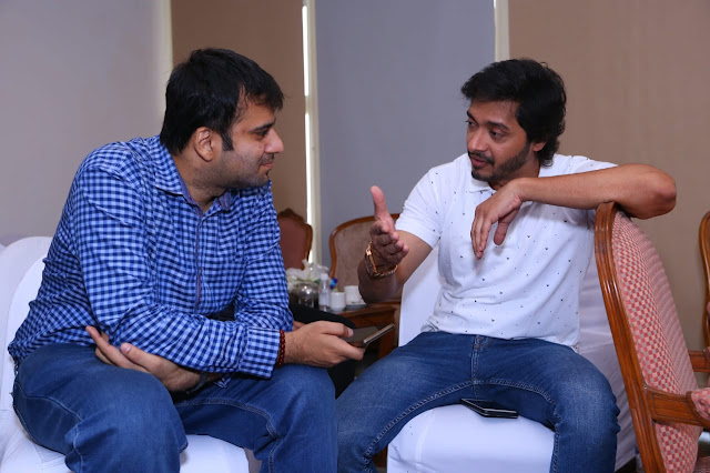 Interviewing actor Shreyas Talpade