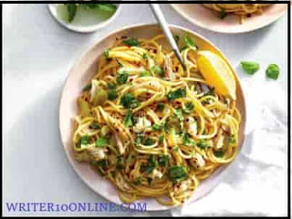 Pasta with lemon sauce and basil