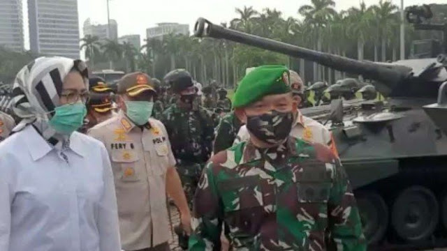 Rocky: Habib Rizieq vs Pangdam Jaya lagi Sama-sama Pamer Kekuatan