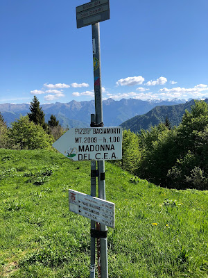 Sign at Passo Baciamorti.