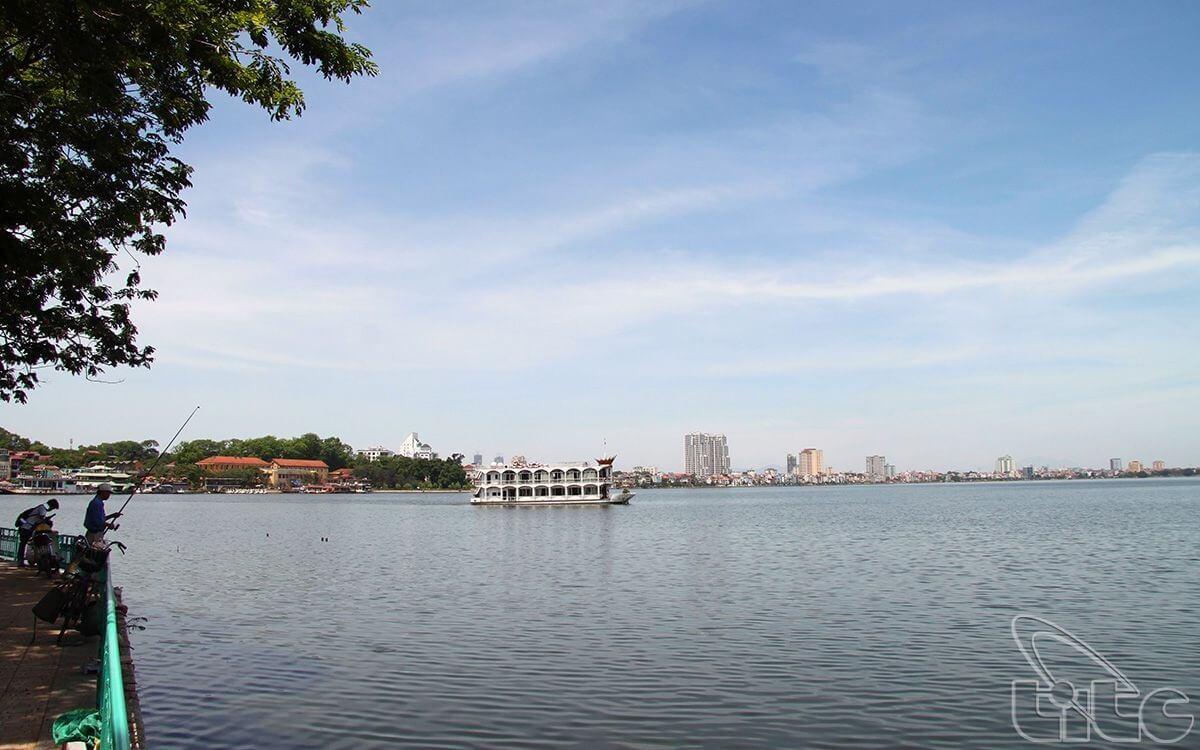 Hồ Tây.