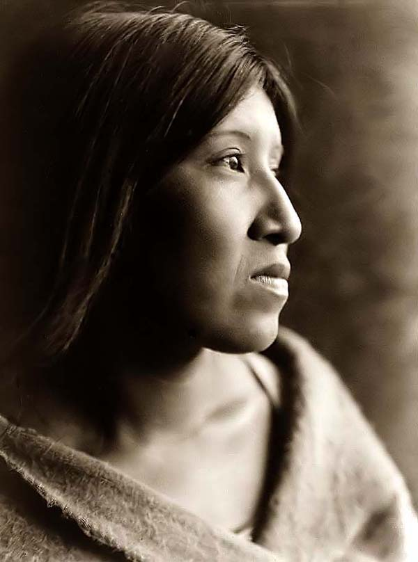 http://1.bp.blogspot.com/-NAsnqdhko-U/Ta1rCkRvLyI/AAAAAAAAB_M/-qU2aOOGSVc/s1600/Indian-Woman.jpg American