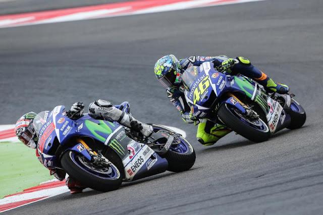 Mempelajari Hal Baru, Rossi Lebih Baik Dari Lorenzo