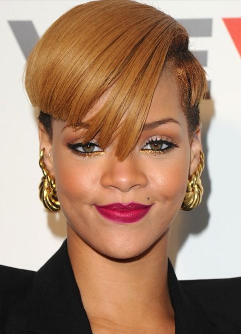 Rihanna fringe hairstyles rihanna mushroom haircut funky bob rihanna hairstyles angled fringe with side close cropped hair winobraniefo Images