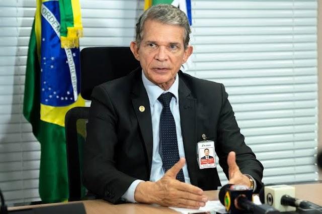 Bolsonaro anuncia indicação de general Joaquim Silva e Luna Diretor da Itaipu para assumir presidência da Petrobras.