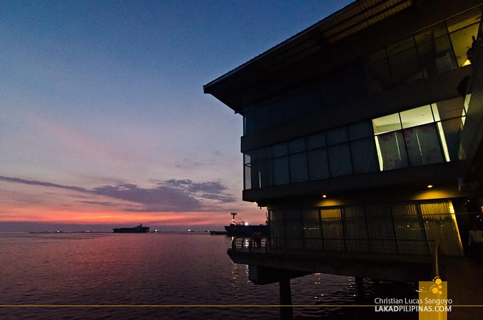 Hotel H2O Sunset Manila