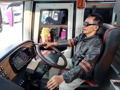 Bus, dan transportasi umum lainnya