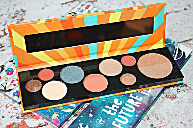 Essence Born Awesome palette