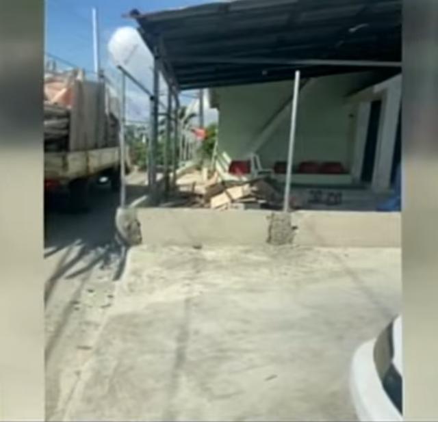 Denuncian alcaldesa  en Pedro Brand construye dispensario médico ocupando la acera