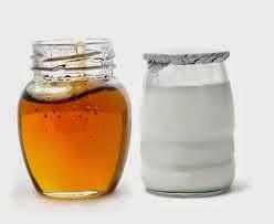 Cách làm trắng da bằng mật ong và sữa chua