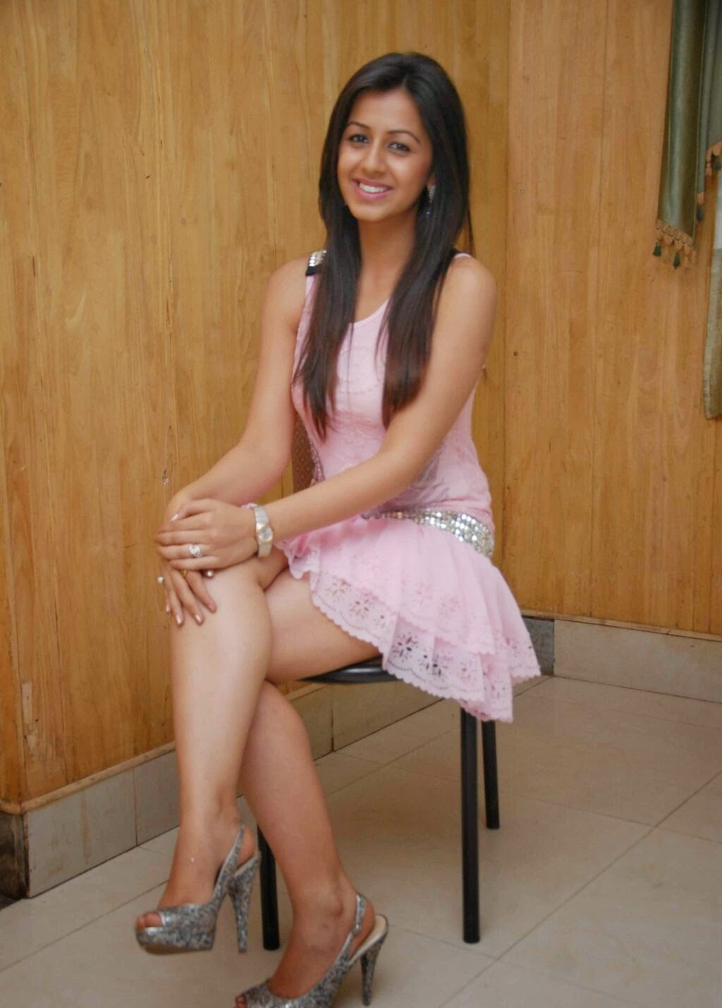 Nikki Galrani Legs Thighs Show In Mini Pink Skirt