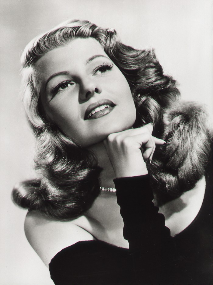Love those classic movies in pictures rita hayworth for Classic love pictures