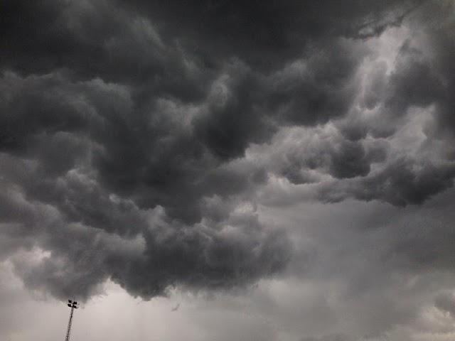 Domingo com temporal e rajadas de vento de até 95,8 km/h nas regiões Oeste e Sudoeste do Paraná