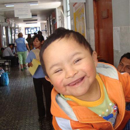 Resultado de imagen para niña con Síndrome de Down para que continúe su aprendizaje en jardín de infantes