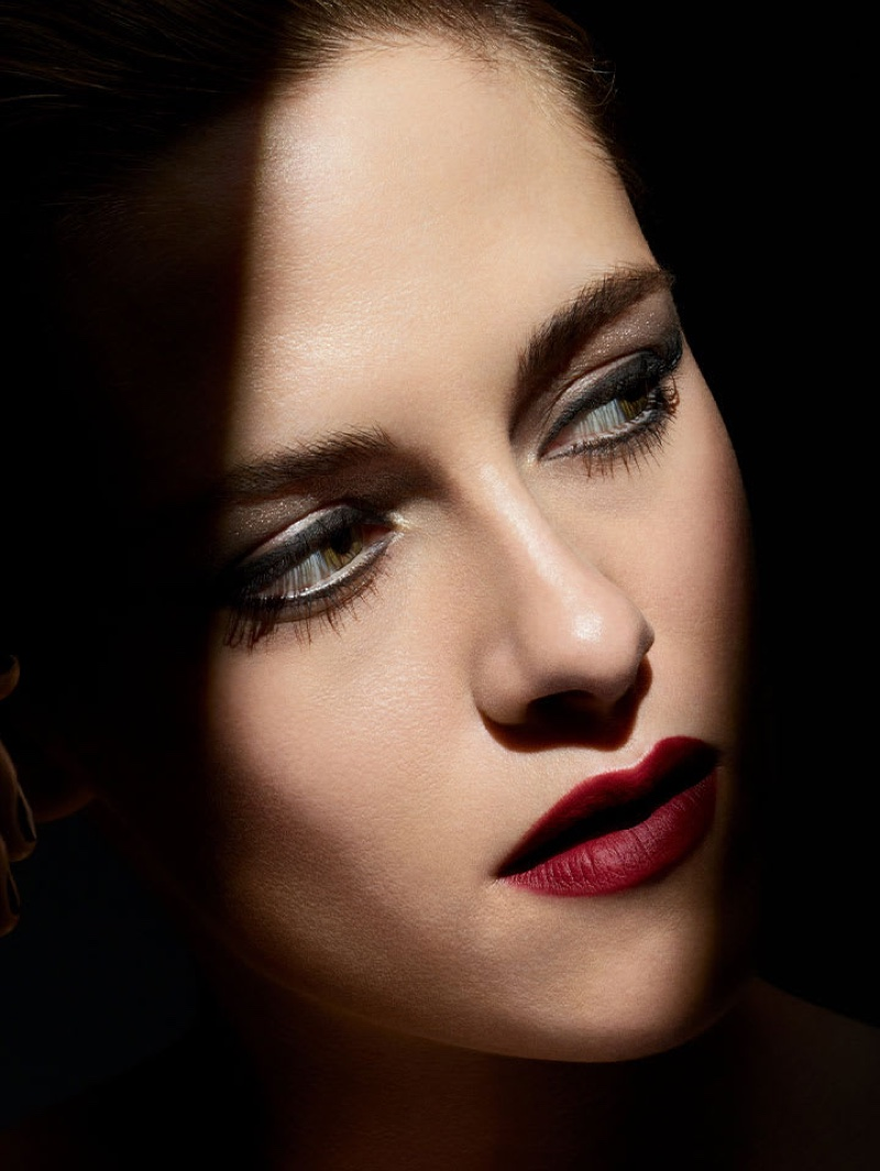 Actress Kristen Stewart fronts Chanel Noir et Blanc fall-winter 2019 makeup campaign