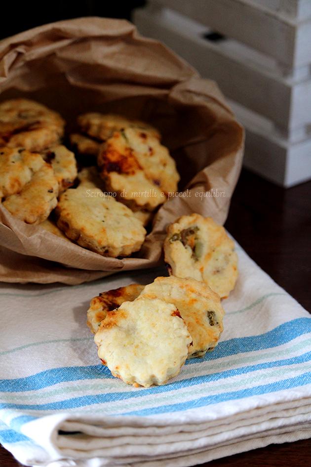 Biscotti ai pomodori secchi ed olive