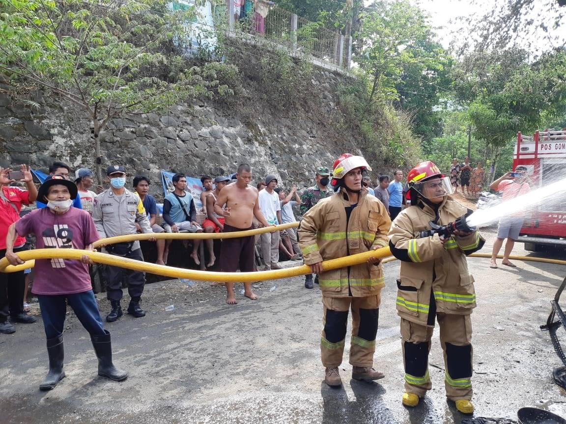 Bengkel Tambal Ban di Karanggayam Terbakar, Kerugian Ditaksir Rp 100 Juta