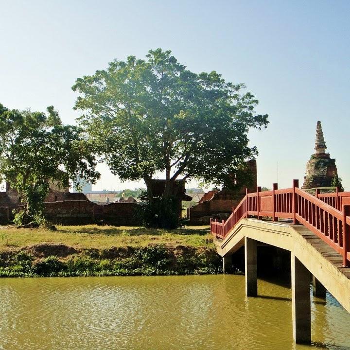 Suatu Hari yang Cerah di Ayutthaya, Thailand