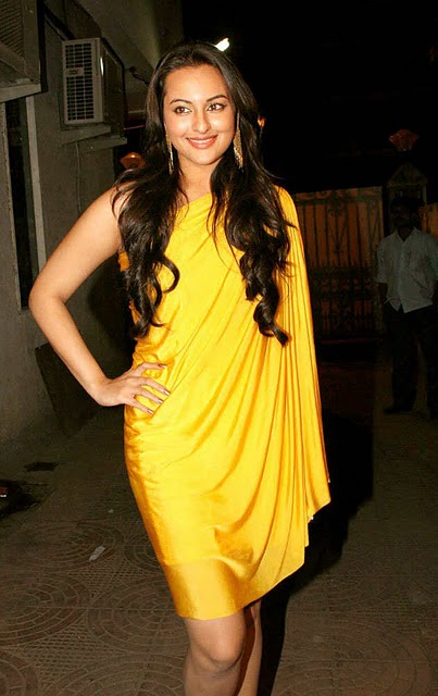 Bollywood Dimple Queen Sonakshi Sinha Pictures In Yellow Dress