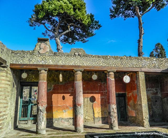 Casa do Relevo de Télefo, sítio arqueológico de Herculano, Itália