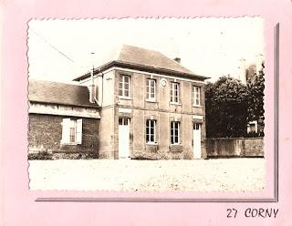 carte postale ancienne mairie de Corny Eure 27