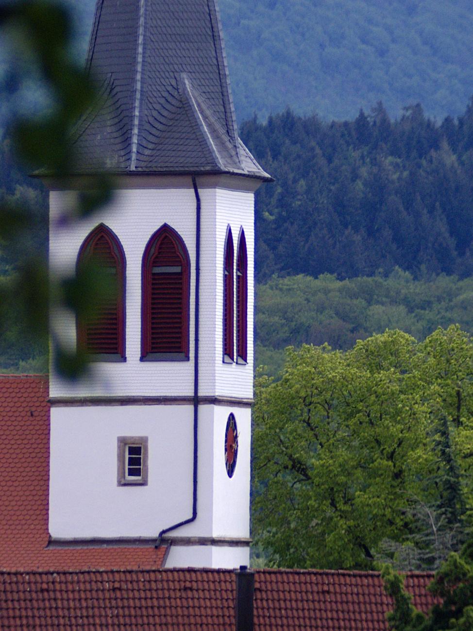 Evangelische Kirche zu Großbettlingen ganz groß