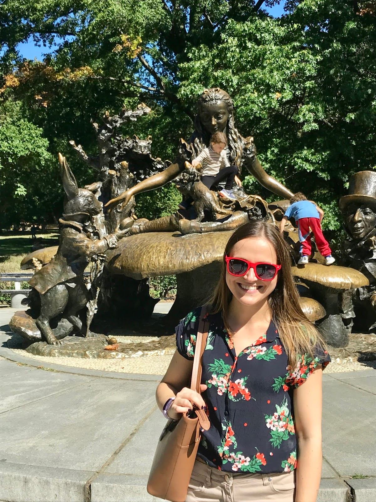 Alice in Wonderland, Central Park, New York - Maggie May