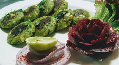 Garnished vegan Patty Hara bhara kabab in serving plate