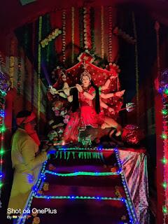 नवरात्रि के पांचवे दिन निकलती है झंडा फेरी