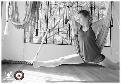 aeropilates, aerial pilates, swing, hammock, body, gravity, fly, flying, coaching, anti, age, trapeze, columpio, hamaca, aereo, aerea, aerial, aerien, yoga, pilates