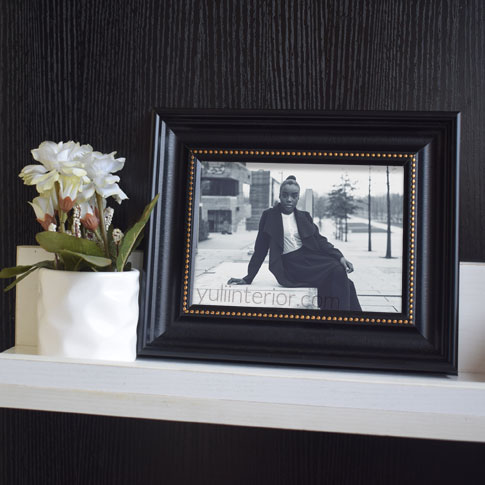 Black and Gold Picture Frame in Port Harcourt, Nigeria