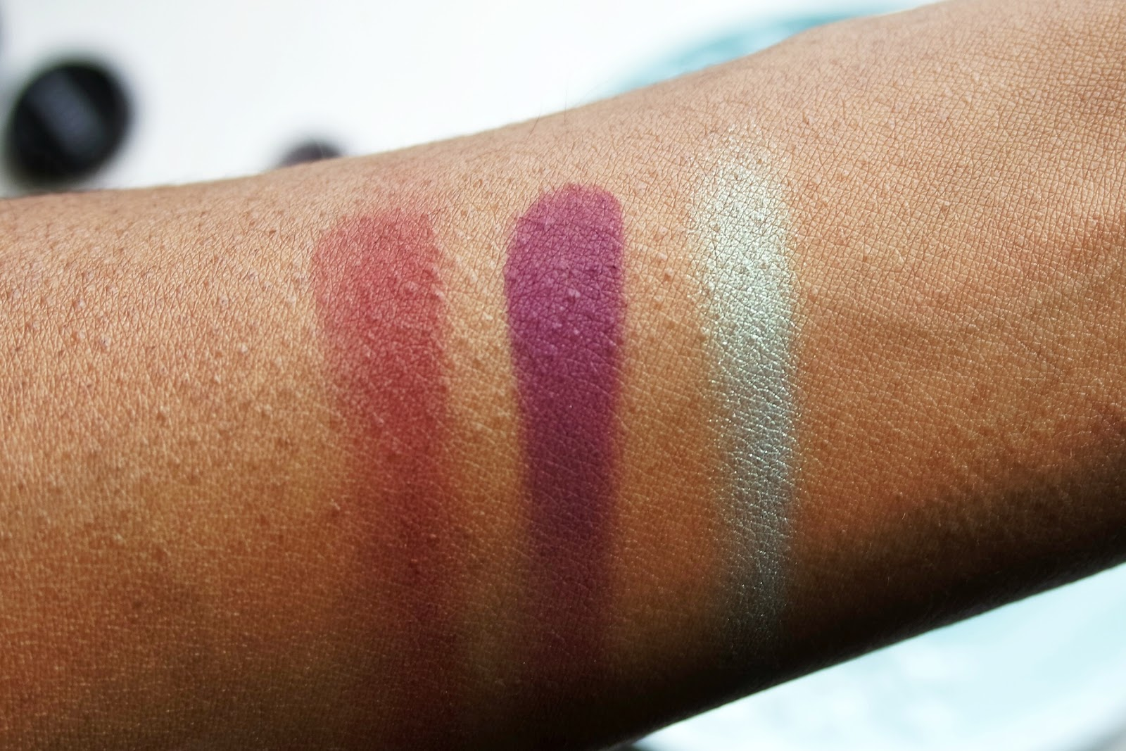Swatches of Inglot eyeshadows