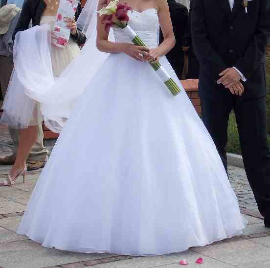 Wspaniały suknie ślubne - vestido: Fason Księżniczki LL86