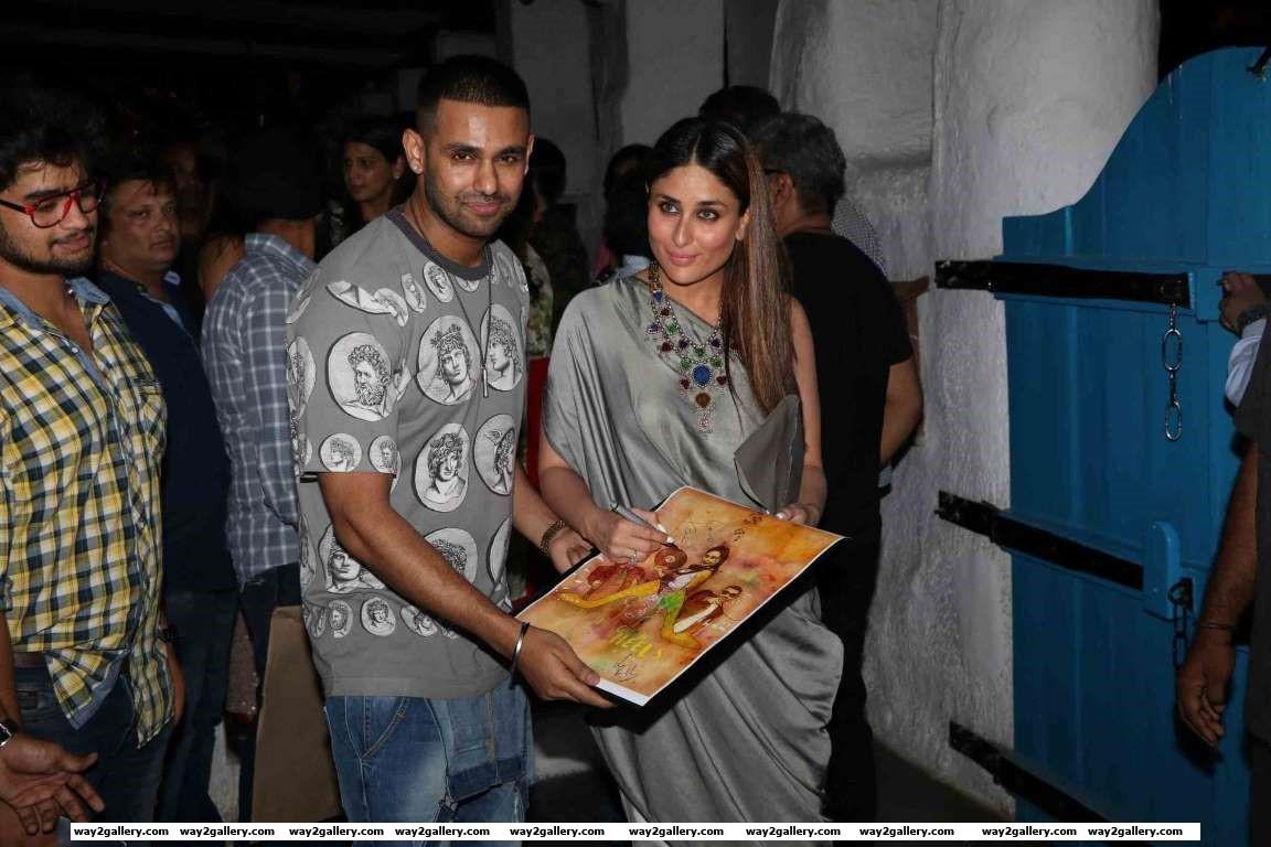 Kareena signed a poster for a fan outside the success bash of Ki  Ka