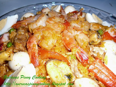 Pinoy Seafood Rice Cooker Paella Valenciana