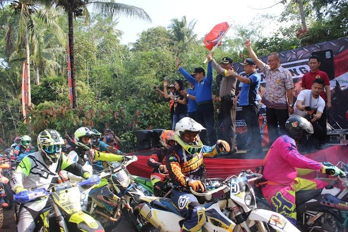 Pelepasan Ribuan Rider Di Even Enduro Lampung 2018
