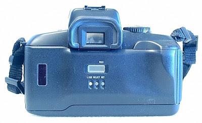 Canon EOS 700QD, Back