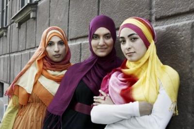 بنات من الخليج العربي يريدون التعارف و يبحثون عن الزواج