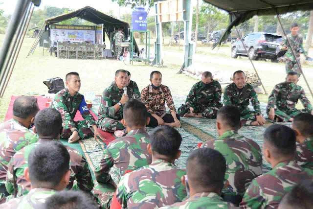 Kasdam III/Slw Brigjend TNI Kunto Arief Wibowo Tinjau Menembak Armed di Batujajar