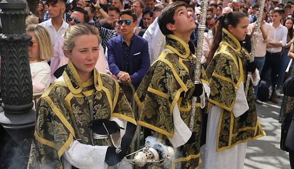 El Papa Francisco da carta de oficialidad a las mujeres acólitas instituidas en las cofradías