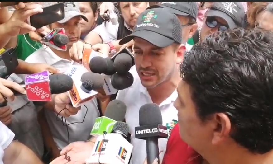 Luis Fernando Camacho anunció otro viaje a La Paz para este miércoles en la tarde / RRSS
