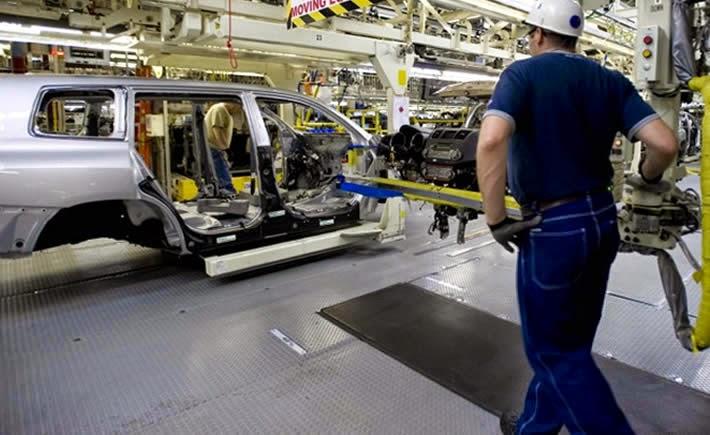 La triple hélice redobla esfuerzos para el desarrollo del sector automotriz. (Foto: Toyota )