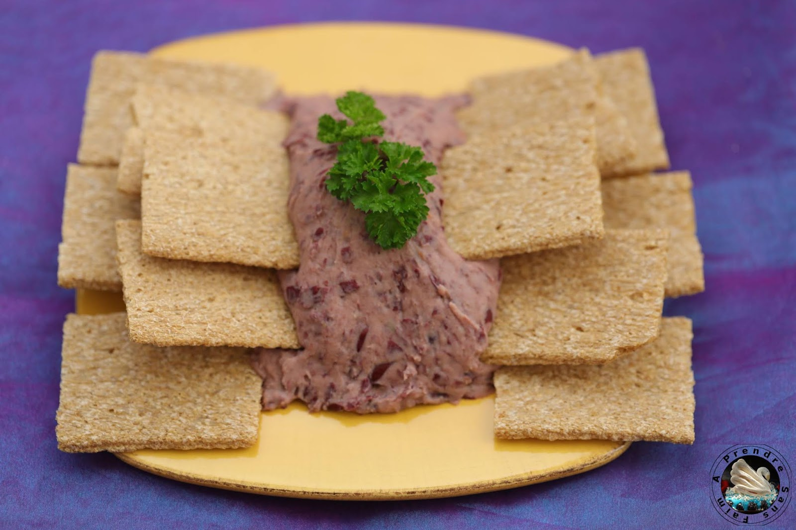 Tartinade d'haricots rouges, crackers potiron